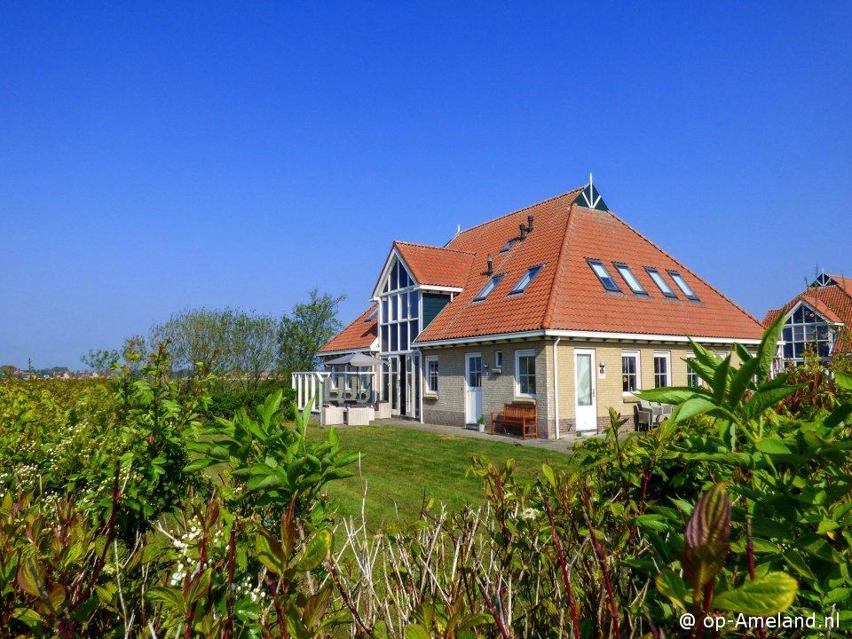 Villa Ahoy.  Klik op het plaatje voor meer info...